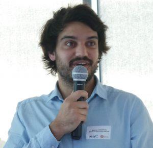 Baptiste Chauveau fait une présentation
